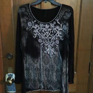 GUC Black Long Sleeve w/Design Light Fabric Shirt